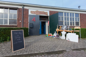 open dag en garage sale